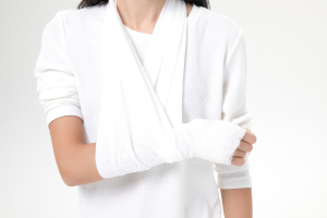 车祸耻骨骨折能做伤残鉴定吗