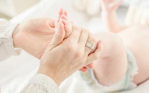 离婚后孩子的监护人能转吗